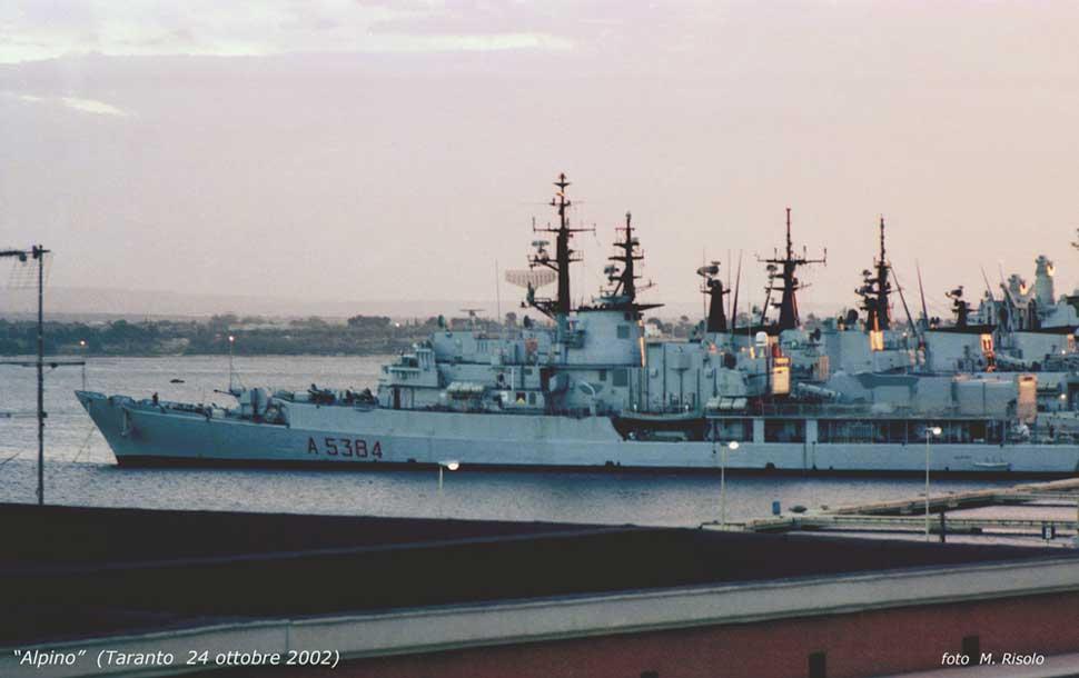El juego de las imagenes-http://navyworld.narod.ru/itnavy.files/A5384_1.jpg